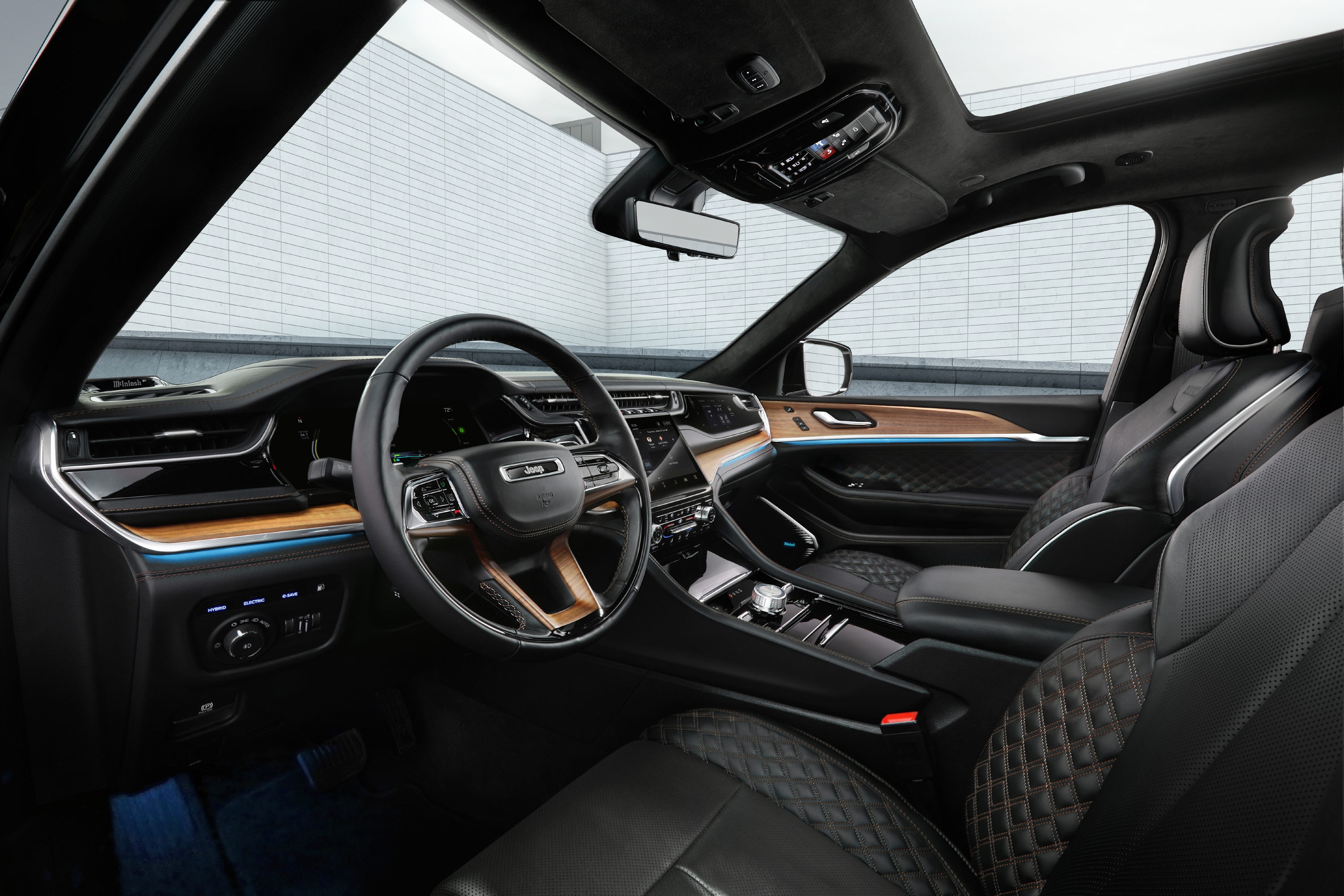The all-new 2022 Jeep® Grand Cherokee Summit Reserve model's spa